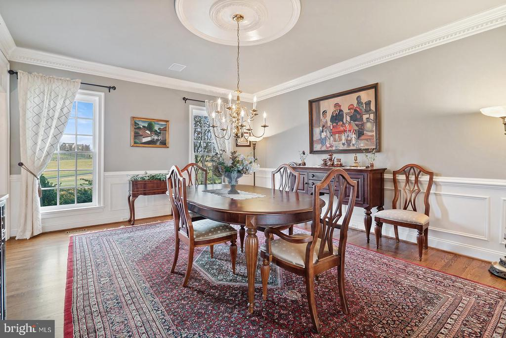 Plenty of natural light thru-out - 37239 HUNT VALLEY LN, PURCELLVILLE
