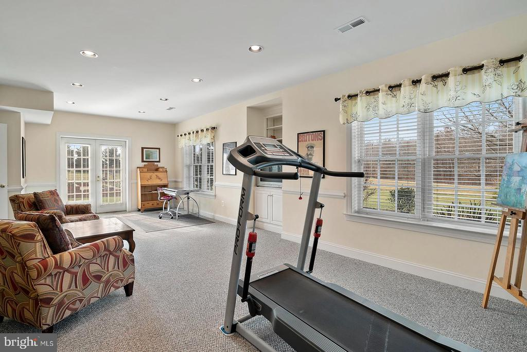 Walk out doors to the outside. - 37239 HUNT VALLEY LN, PURCELLVILLE