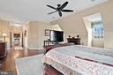 Master suite bedroom. - 37239 HUNT VALLEY LN, PURCELLVILLE