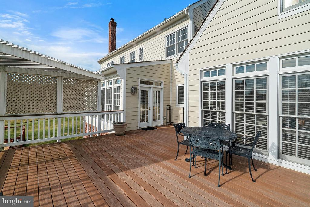 Large deck. Hardi Plank/brick siding. - 37239 HUNT VALLEY LN, PURCELLVILLE