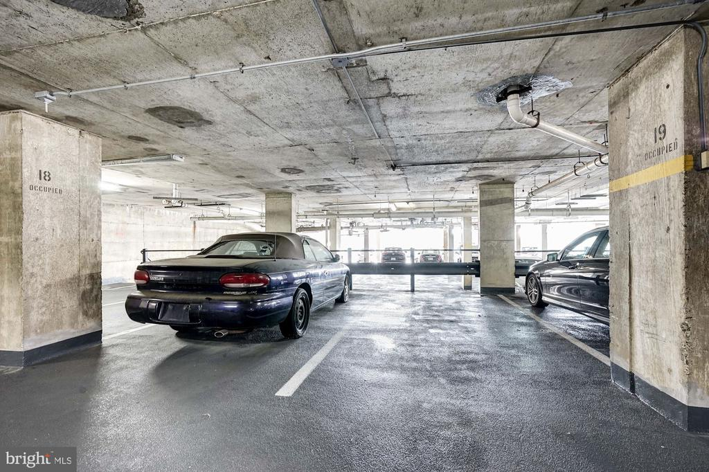 Reserved parking! - 250 S REYNOLDS ST #801, ALEXANDRIA