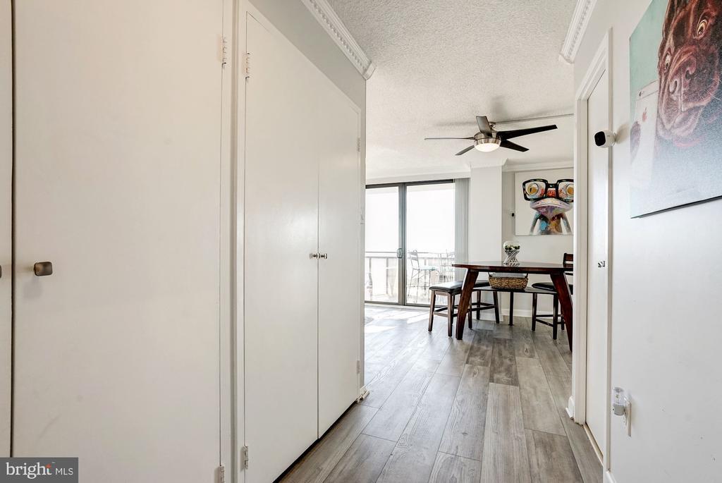 Entrance on the 8th floor - 250 S REYNOLDS ST #801, ALEXANDRIA