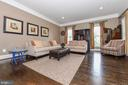 Formal living room great for holiday entertaining. - 6720 BOX TURTLE, NEW MARKET