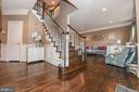 Bright open foyer with gleaming hardwood floors. - 6720 BOX TURTLE, NEW MARKET