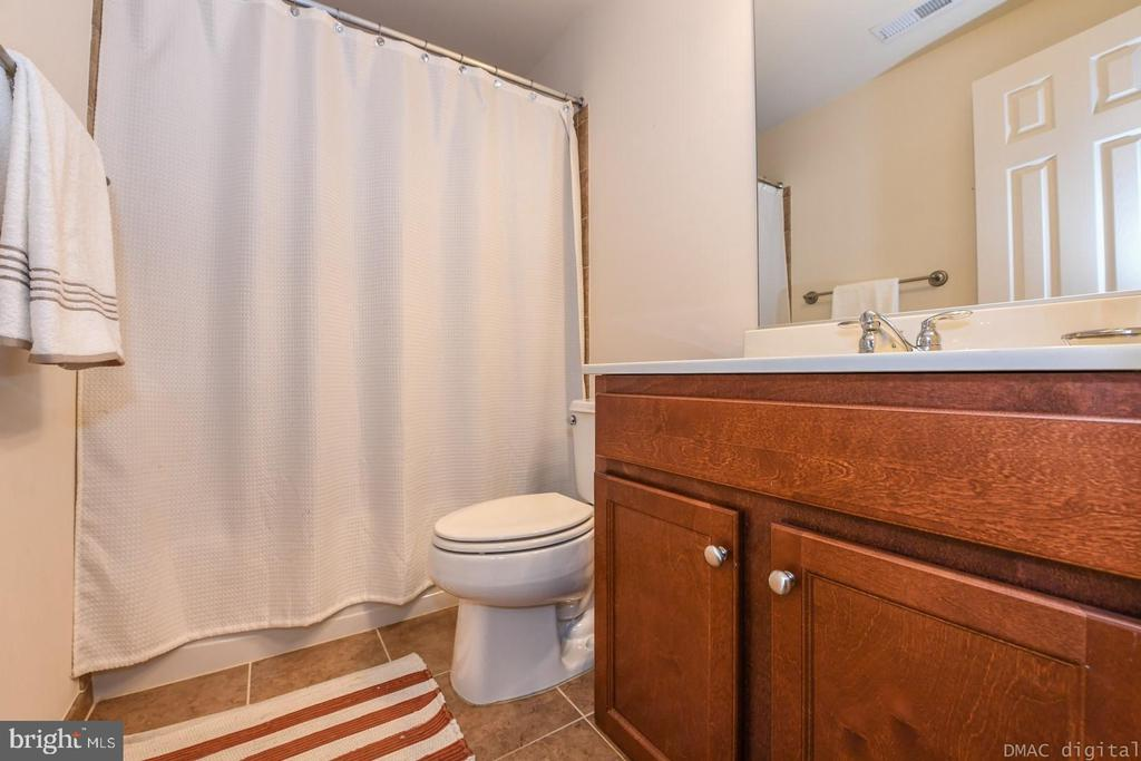 Full bathroom on lower level. - 6720 BOX TURTLE, NEW MARKET