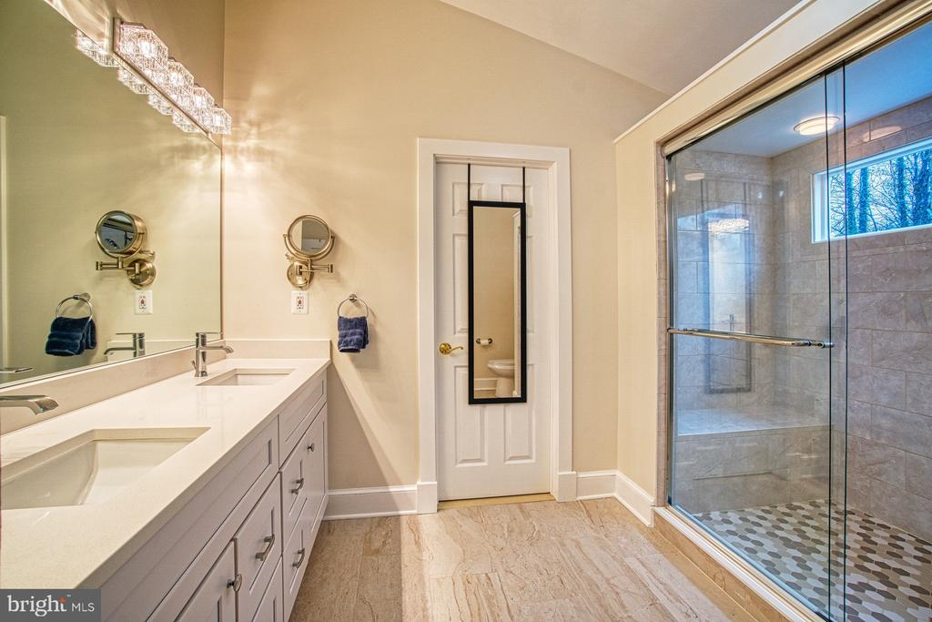 Master Bath - less than a year old! - 3896 GLENBROOK RD, FAIRFAX