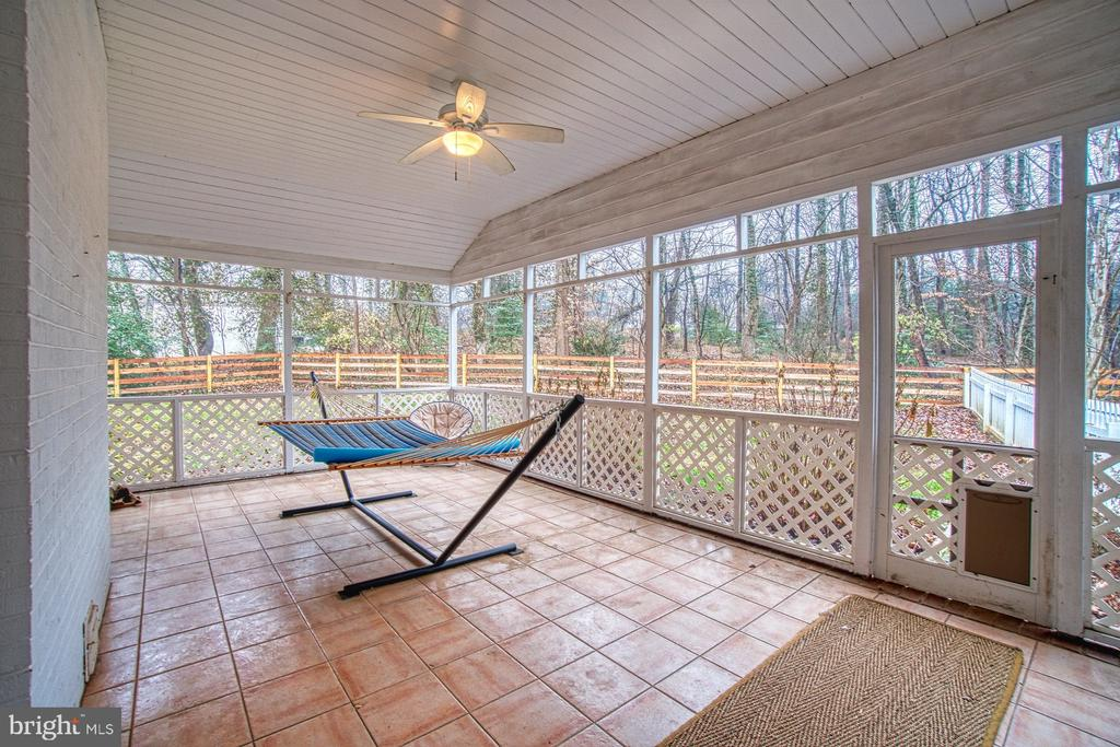 Screened Porch - 3896 GLENBROOK RD, FAIRFAX