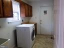 Convenient mud & laundry room - 20019 GREAT FALLS FOREST DR, GREAT FALLS