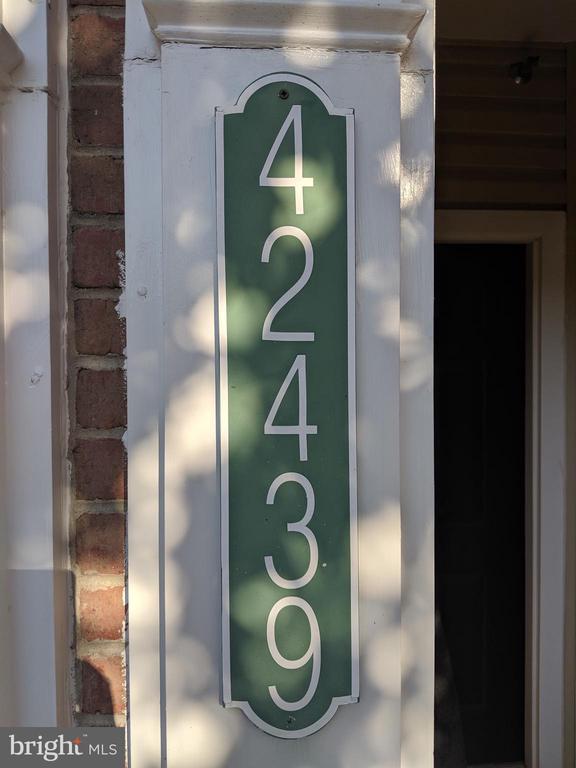 Welcome Home! - 42439 ROCKROSE SQ, BRAMBLETON