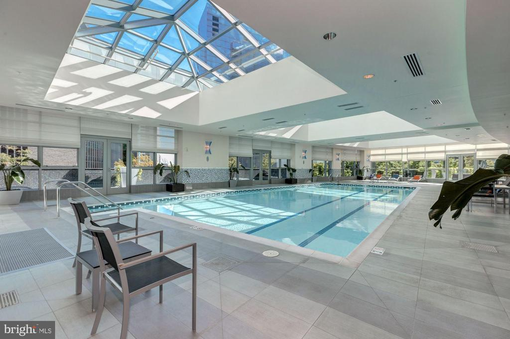 indoor heated pool with lap lanes and hot tub - 1881 N NASH ST #1111, ARLINGTON