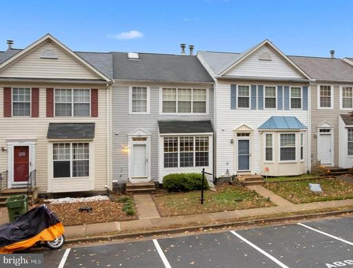 209 LAKEVIEW CT