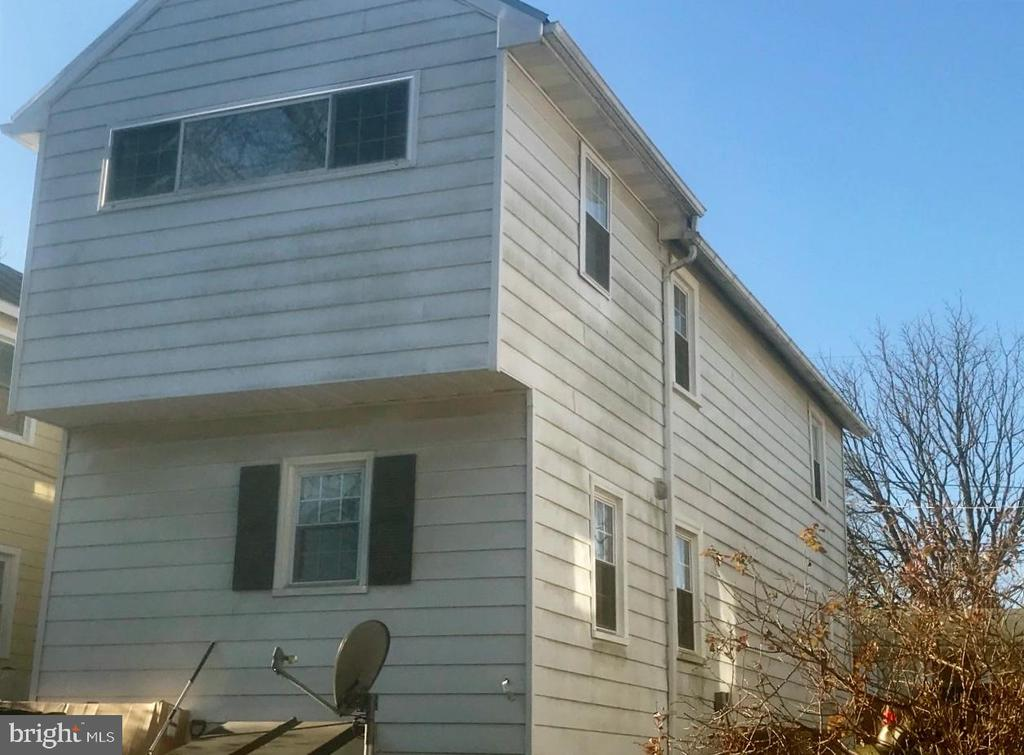 - 12 PAGE ST, BERRYVILLE