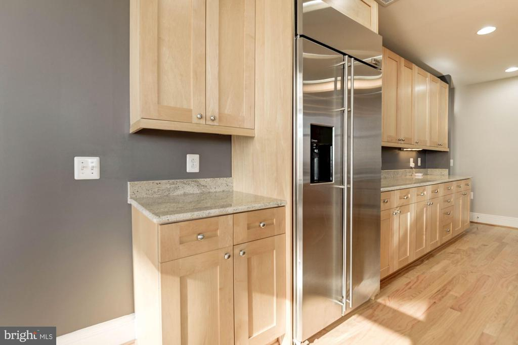 Granite countertops, SS Appliances - 11990 MARKET ST #1714, RESTON