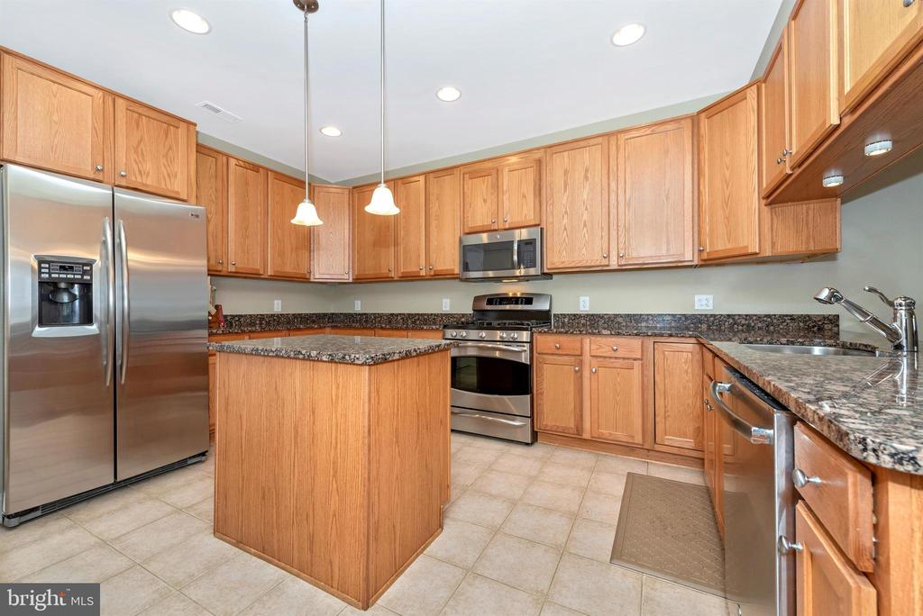 Kitchen SS Appliances - 3030 MILL ISLAND PKWY #408, FREDERICK