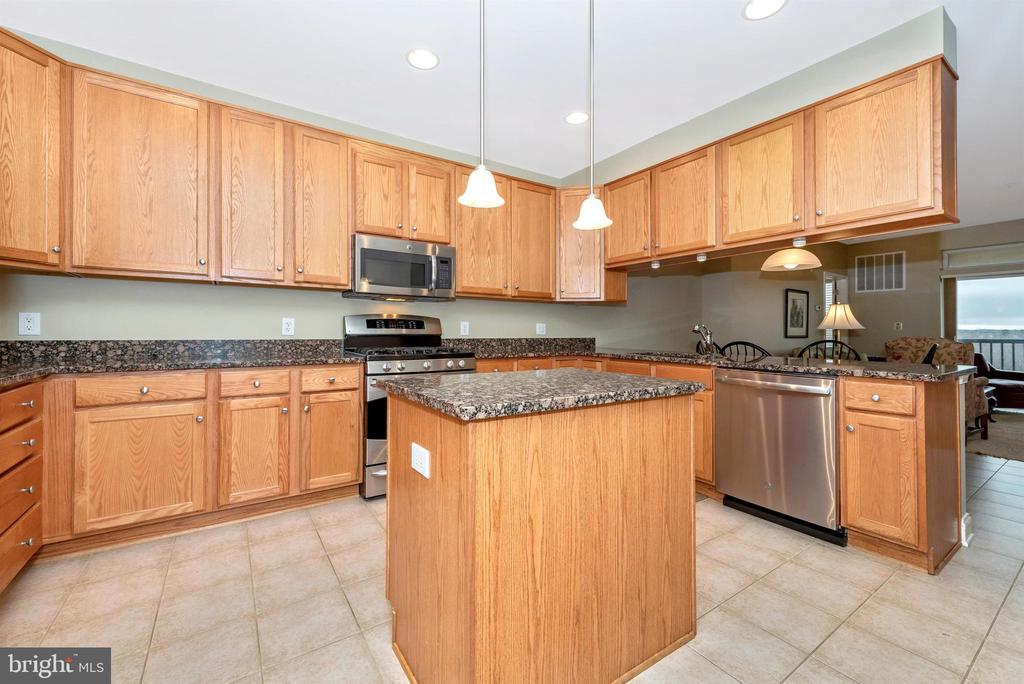 Kitchen - 3030 MILL ISLAND PKWY #408, FREDERICK