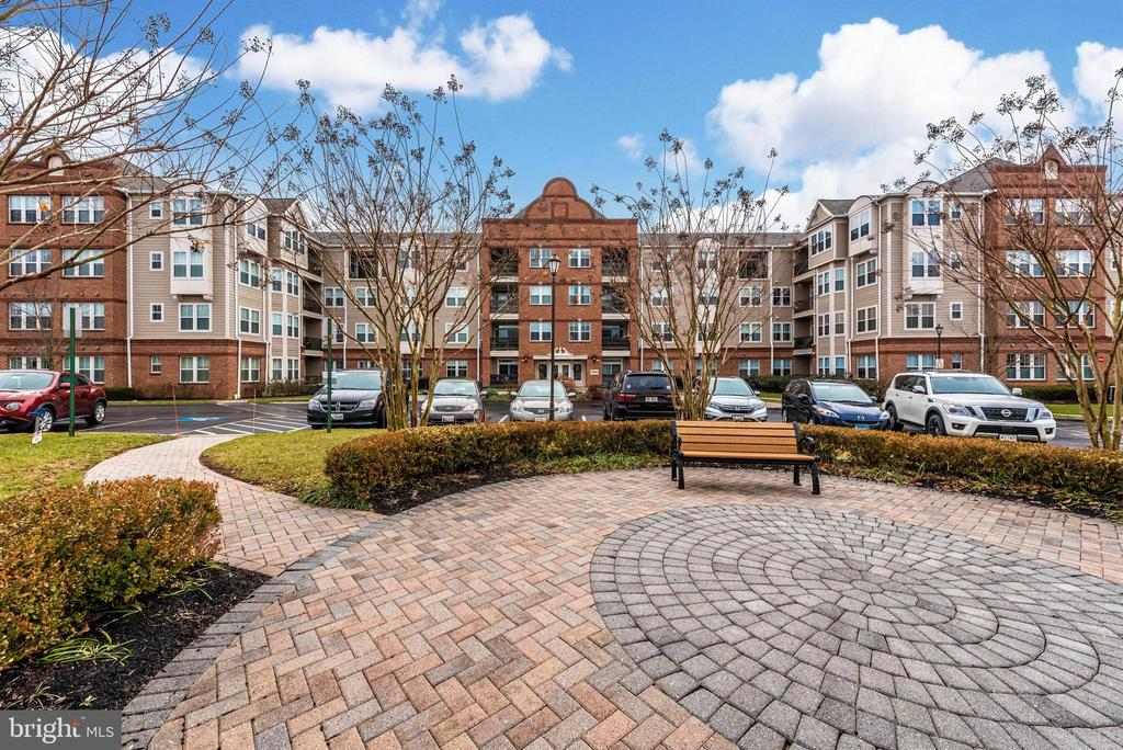 Exterior Building Patio - 3030 MILL ISLAND PKWY #408, FREDERICK