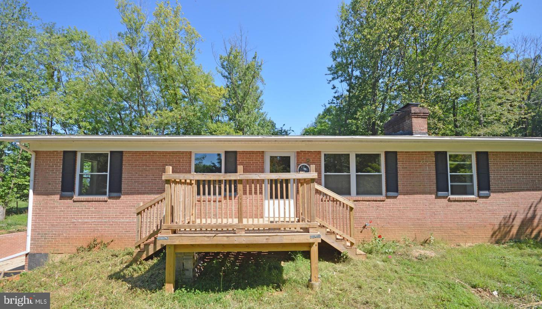 Single Family Homes voor Huren op 13203 WHITE ROCK Road Purcellville, Virginia 20132 Verenigde Staten
