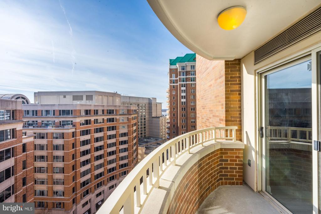 More views from balcony - 900 N TAYLOR ST #1426, ARLINGTON