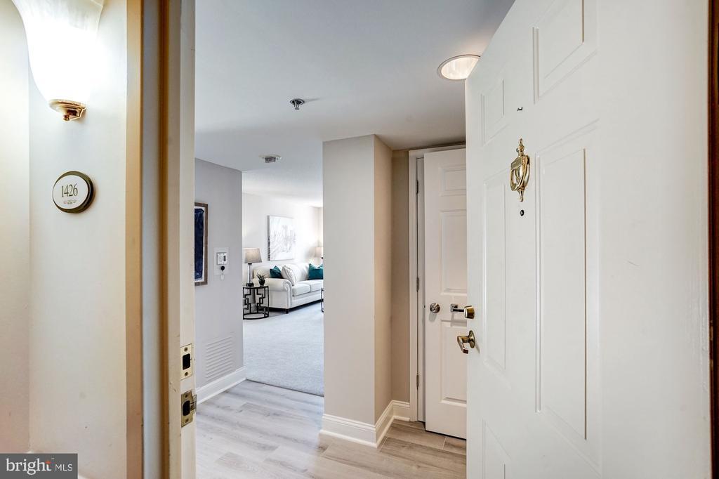 Foyer - 900 N TAYLOR ST #1426, ARLINGTON