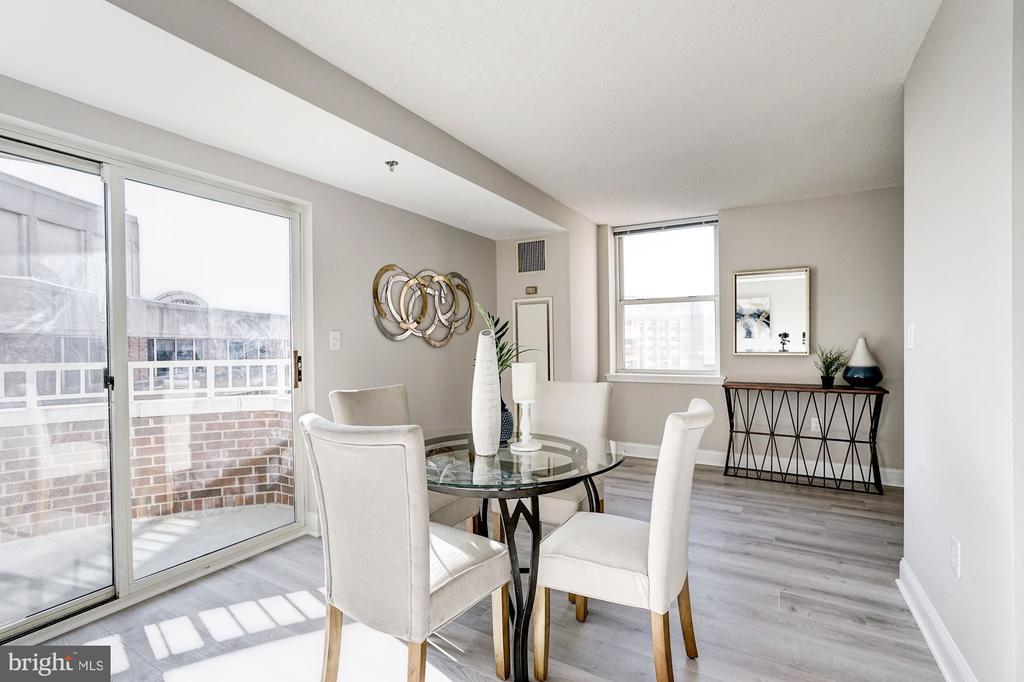 Dining room access to balcony - 900 N TAYLOR ST #1426, ARLINGTON