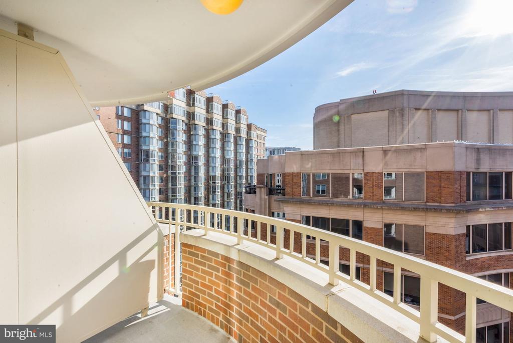 Balcony views of Arlington - 900 N TAYLOR ST #1426, ARLINGTON