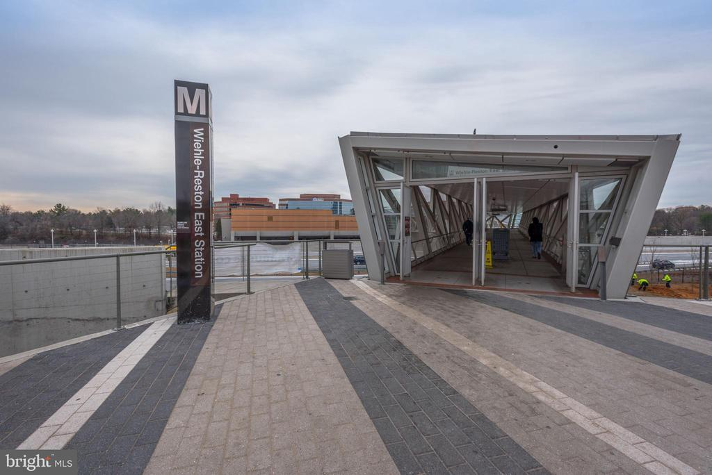 Wiehle Ave Metro Station - 11990 MARKET ST #1714, RESTON