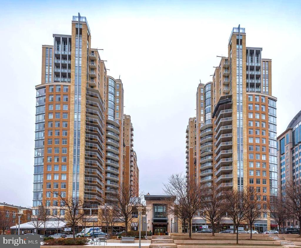 Centrally located in the heart of Reston Town Ctr - 11990 MARKET ST #1714, RESTON