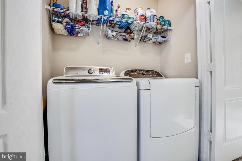 Upstairs laundry- washer and dryer included! - 4515 POTOMAC HIGHLANDS CIR #133, TRIANGLE