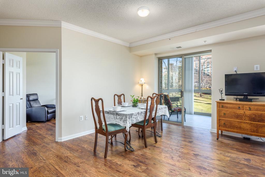 This condo has 3 bedrooms - 19355 CYPRESS RIDGE TER #220, LEESBURG