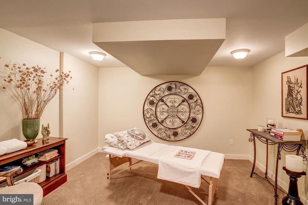 Massage Room - 6126 RAMSHORN DR, MCLEAN