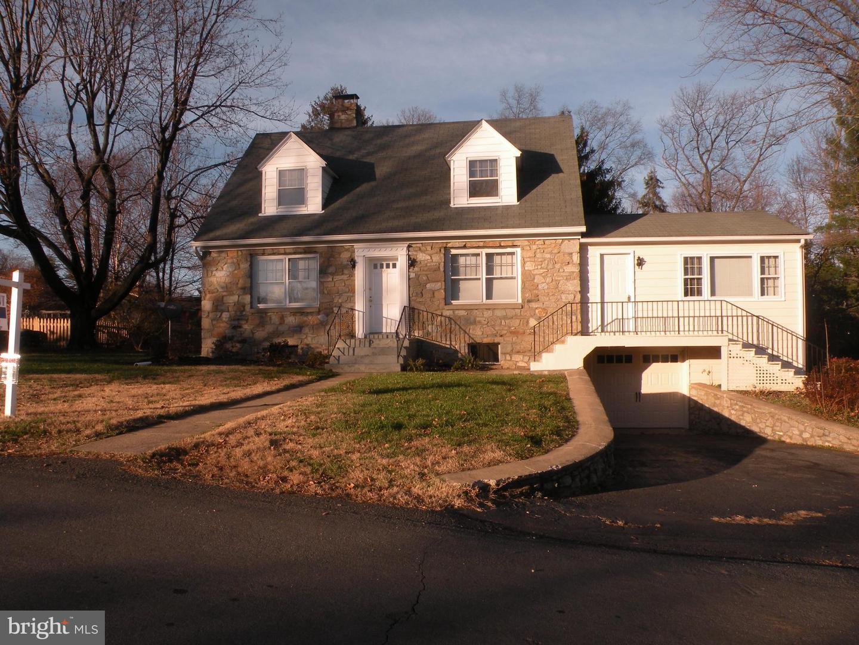 Single Family Homes voor Huren op 811 HOLLY Lane Purcellville, Virginia 20132 Verenigde Staten