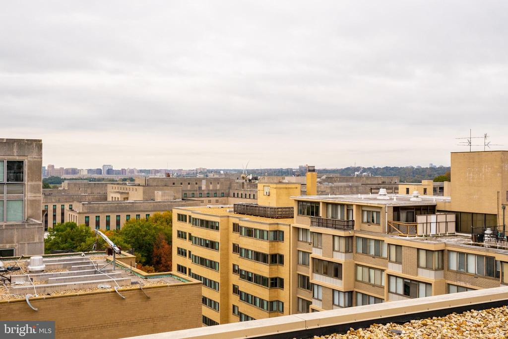 - 2030 F ST NW #602, WASHINGTON