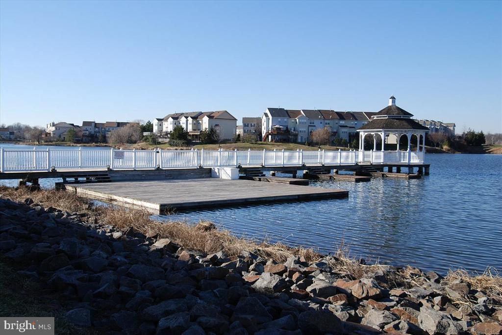 Pavilion Lake and the Sports Pavilion - 21072 CARTHAGENA CT, ASHBURN