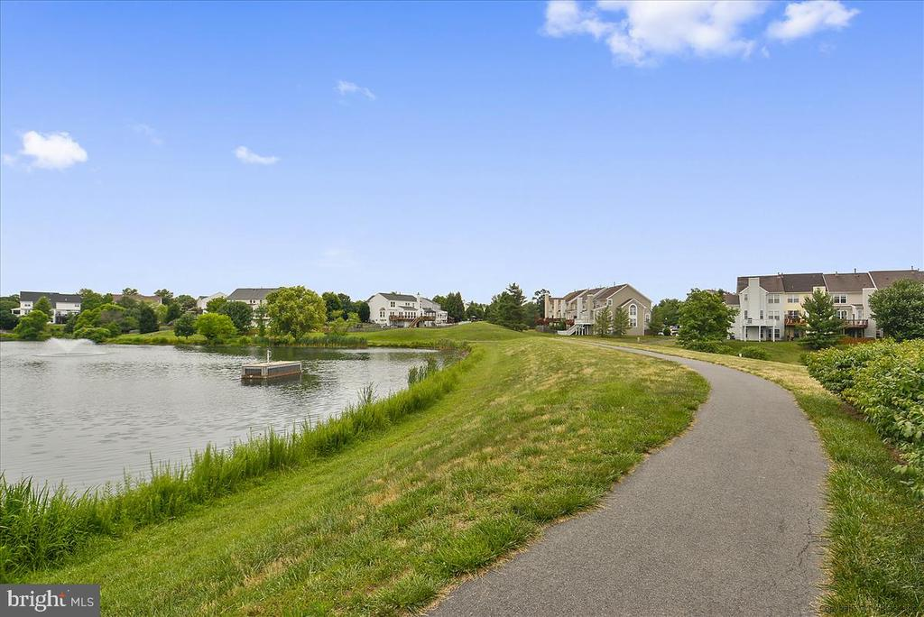 Lots of trails throughout - 21072 CARTHAGENA CT, ASHBURN