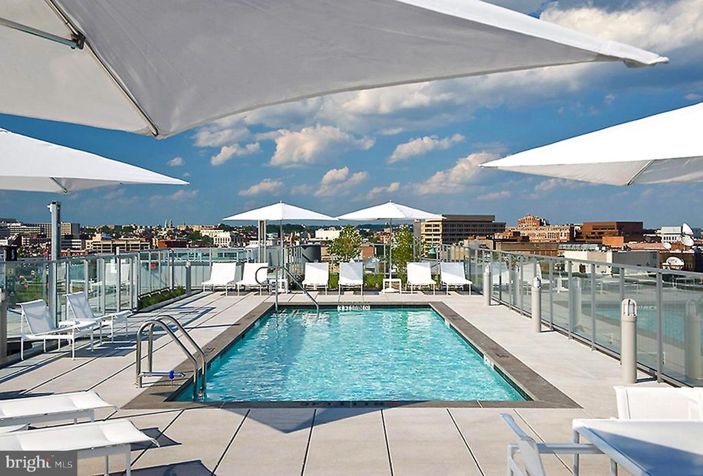 ROOFTOP POOL AND SUNDECK - 1177 22ND ST NW #1C, WASHINGTON