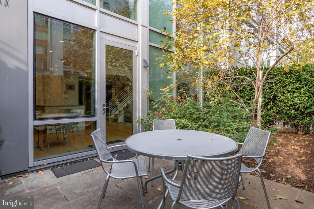 PRIVATE PATIO - 1177 22ND ST NW #1C, WASHINGTON