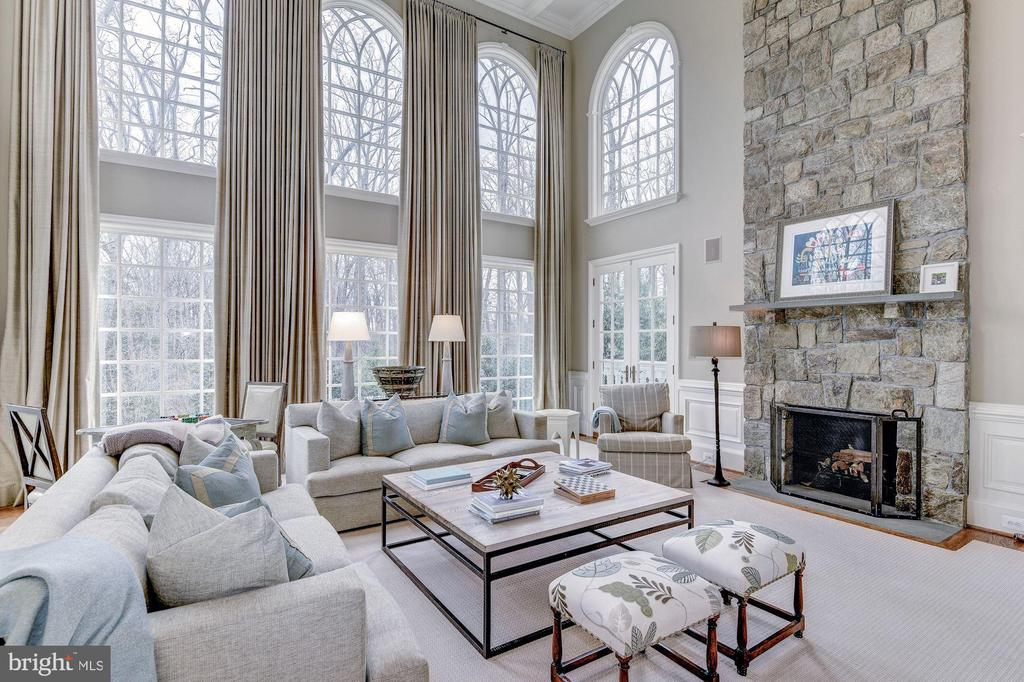 Two- Story Family Room - 7712 GEORGETOWN PIKE, MCLEAN