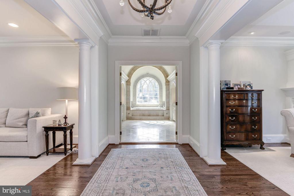 Master Suite Entrance - 7712 GEORGETOWN PIKE, MCLEAN
