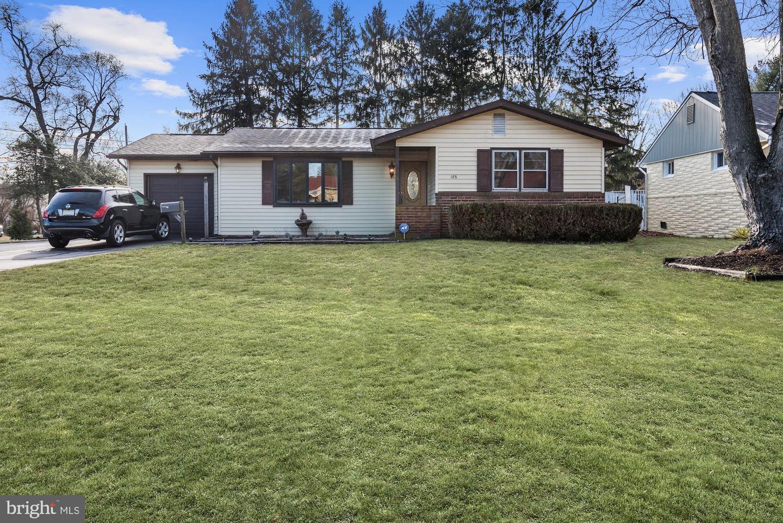 Single Family Homes vì Bán tại Clayton, New Jersey 08312 Hoa Kỳ