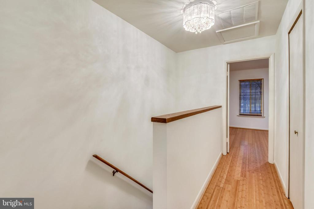 Upper level hallway w/linen closet & updated light - 2014 SWANS NECK WAY, RESTON