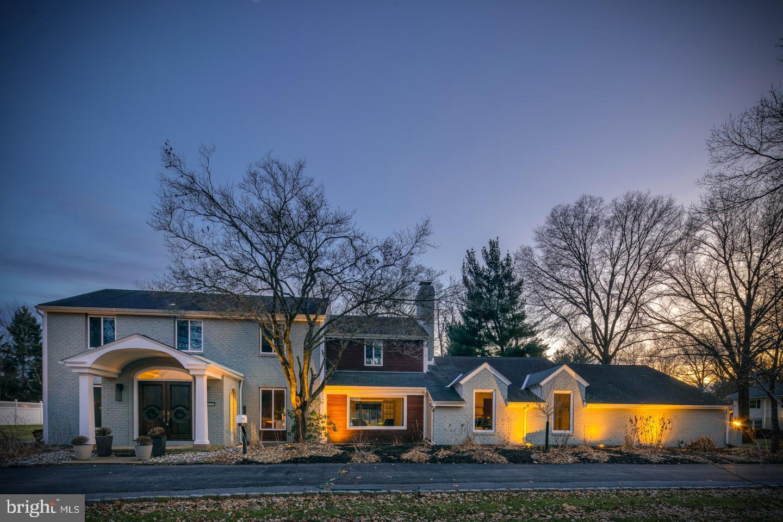 Single Family Homes vì Bán tại Allentown, Pennsylvania 18103 Hoa Kỳ