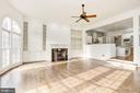 Family Room is open to Gourmet Kitchen - 1006 BRYAN POND CT, MCLEAN