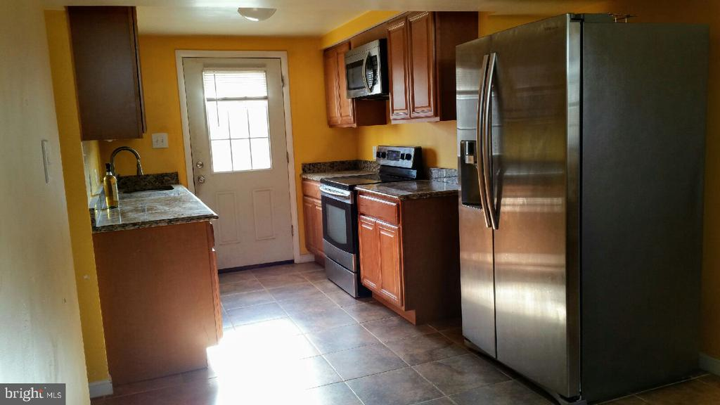 LOWER LVL KITCHEN - 8607 ANTIOCH CIR, VIENNA