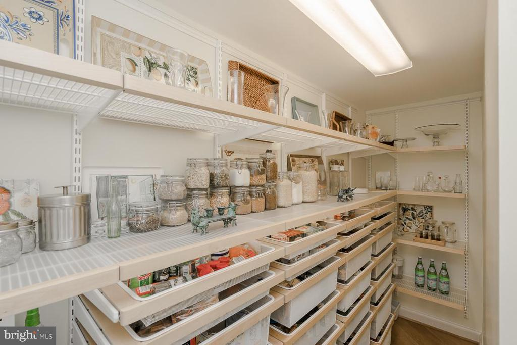 Walk-in Kitchen Pantry Custom Shelving - 9927 S GLEN RD, POTOMAC