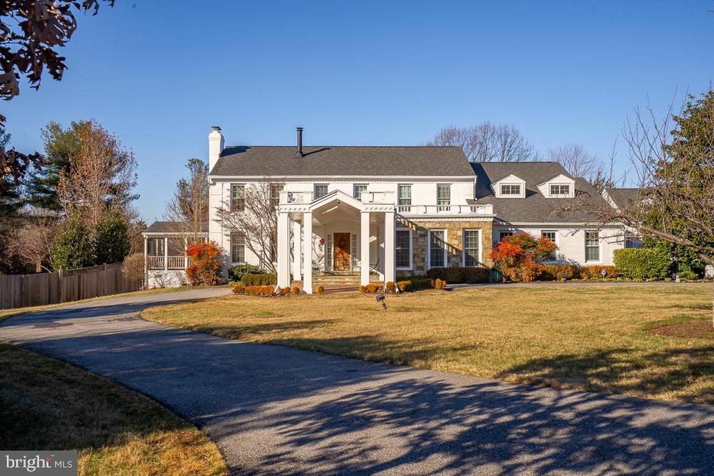 Resort Style Living & Close-in Potomac Charm - 9927 S GLEN RD, POTOMAC