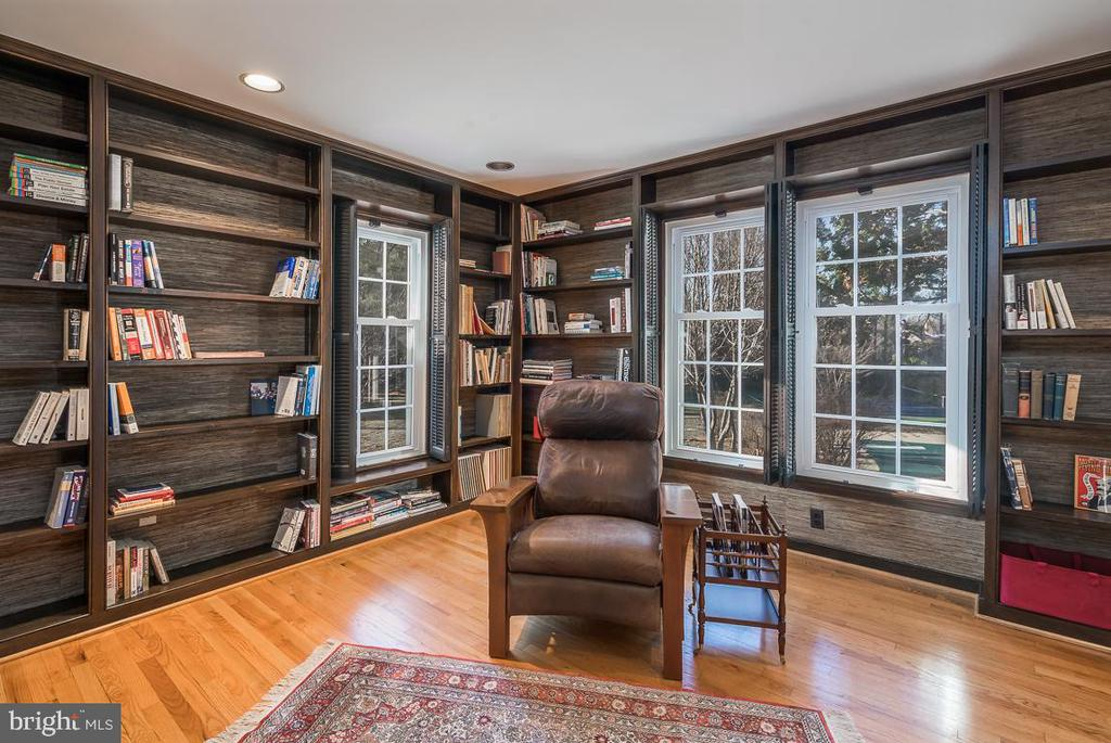Library with Custom Book Shelves - 9927 S GLEN RD, POTOMAC