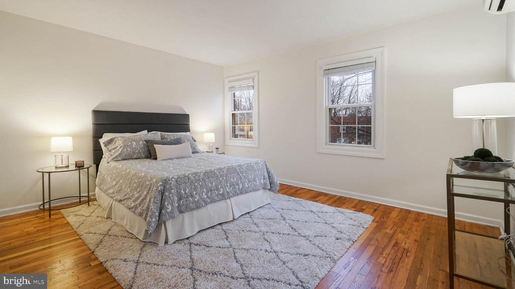 Spacious owner's suite with ample closet space - 2600 16TH ST S #685, ARLINGTON
