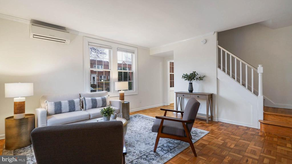 Spacious & light-filled living / family room! - 2600 16TH ST S #685, ARLINGTON