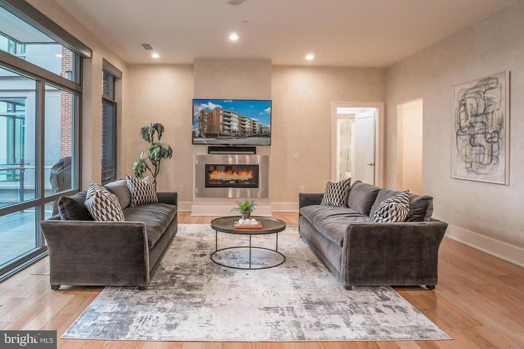 Living Room with Gas Fireplace - 601 N FAIRFAX ST #404, ALEXANDRIA