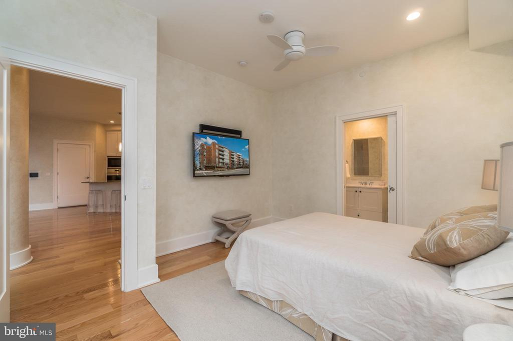 Guest Bedroom - 601 N FAIRFAX ST #404, ALEXANDRIA